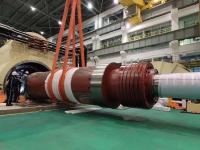田湾核电4号机组发电机转子顺利抽出