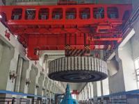 三门峡水力发电公司6号水轮发电机组转子顺利吊出