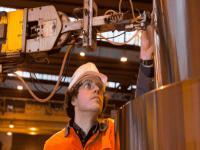 直径1人高的发电机轴,西门子是如何对其内部缺陷进行检测的