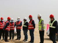 刘凤友到达拉特光伏发电领跑奖励激励基地项目建设现场调研