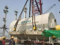 巴基斯坦吉航项目汽轮发电机顺利吊装就位